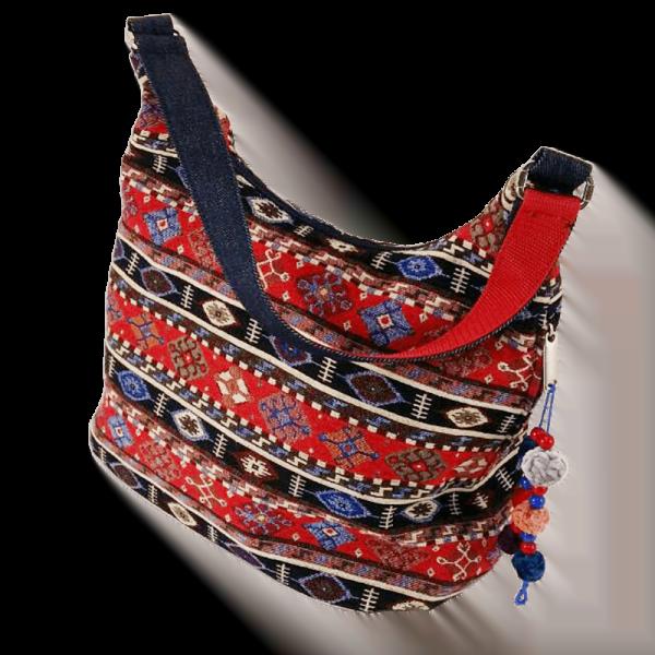 сумка з червоного гобелену