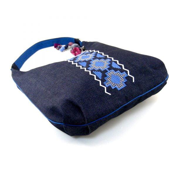 """Джинсова плоска сумка з вишивкою """"Голуба доріжка"""""""