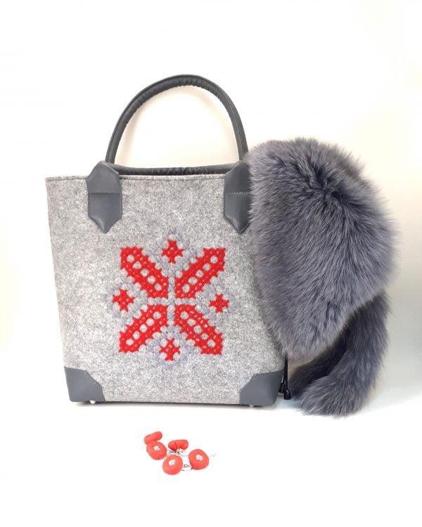 Велика фетрова сумка з червоно-сірою вишивкою