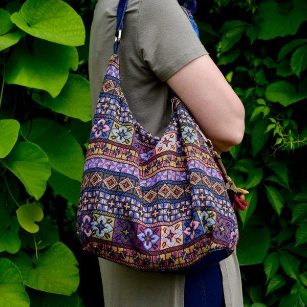 Фіолетова сумка з гобелену та джинсу (з овальним дном)