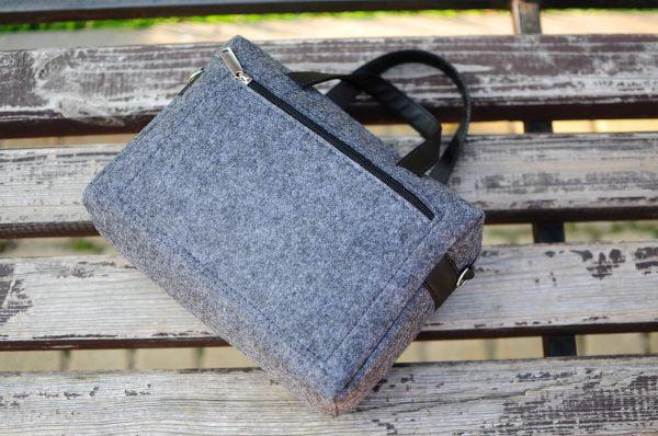Фетрова сумка з пташками темно-сіра