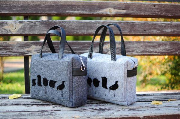 Фетрова сумка з пташками світло-сіра 12350