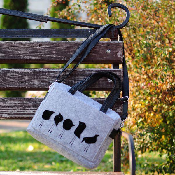 Фетрова сумка з пташками світло-сіра