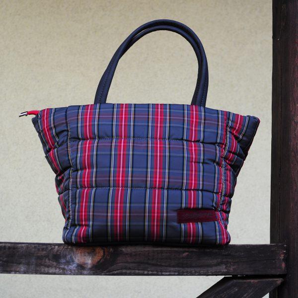 Середня стьобана сумка в сіру клітинку 12405