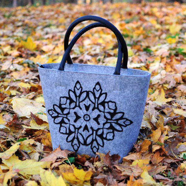 Середня сумка з повсті (аплікація квітка)