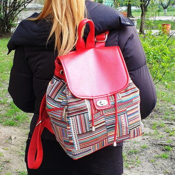 Яскравий великий рюкзак з гобелену та екошкіри