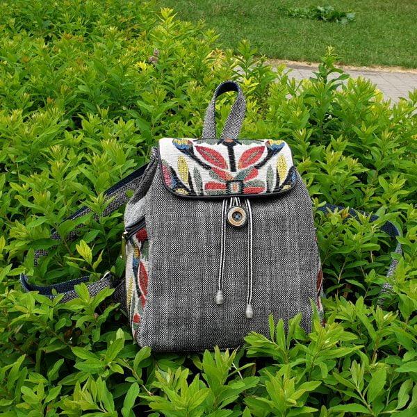 """Рюкзак маленький сірий з гобеленовим декором """"Квітка"""""""