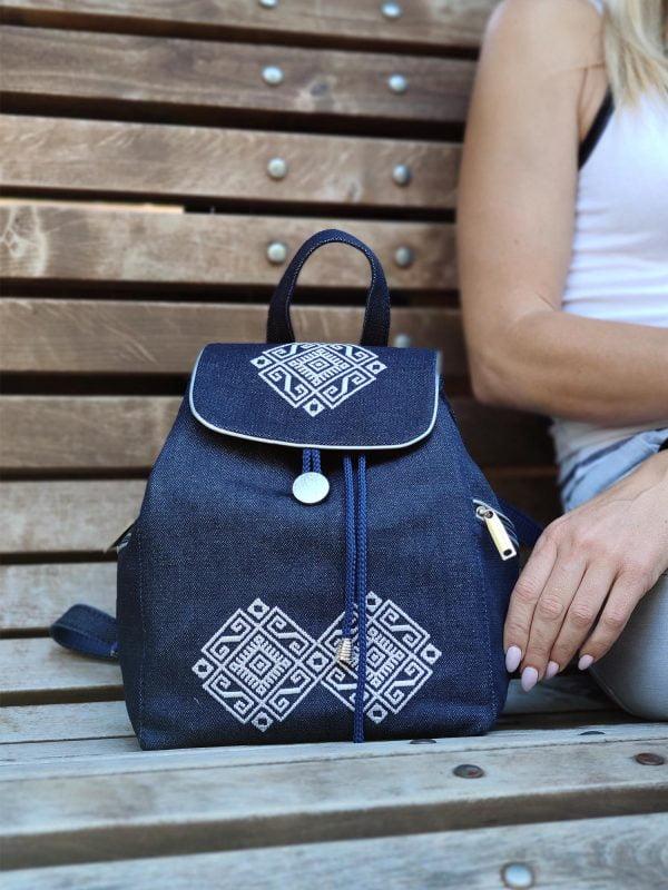 Джинсовий рюкзак з вишивкою Сігма (18003)