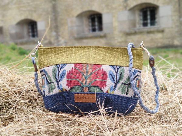 Маленька пухка сумочка з квіткою (19101)