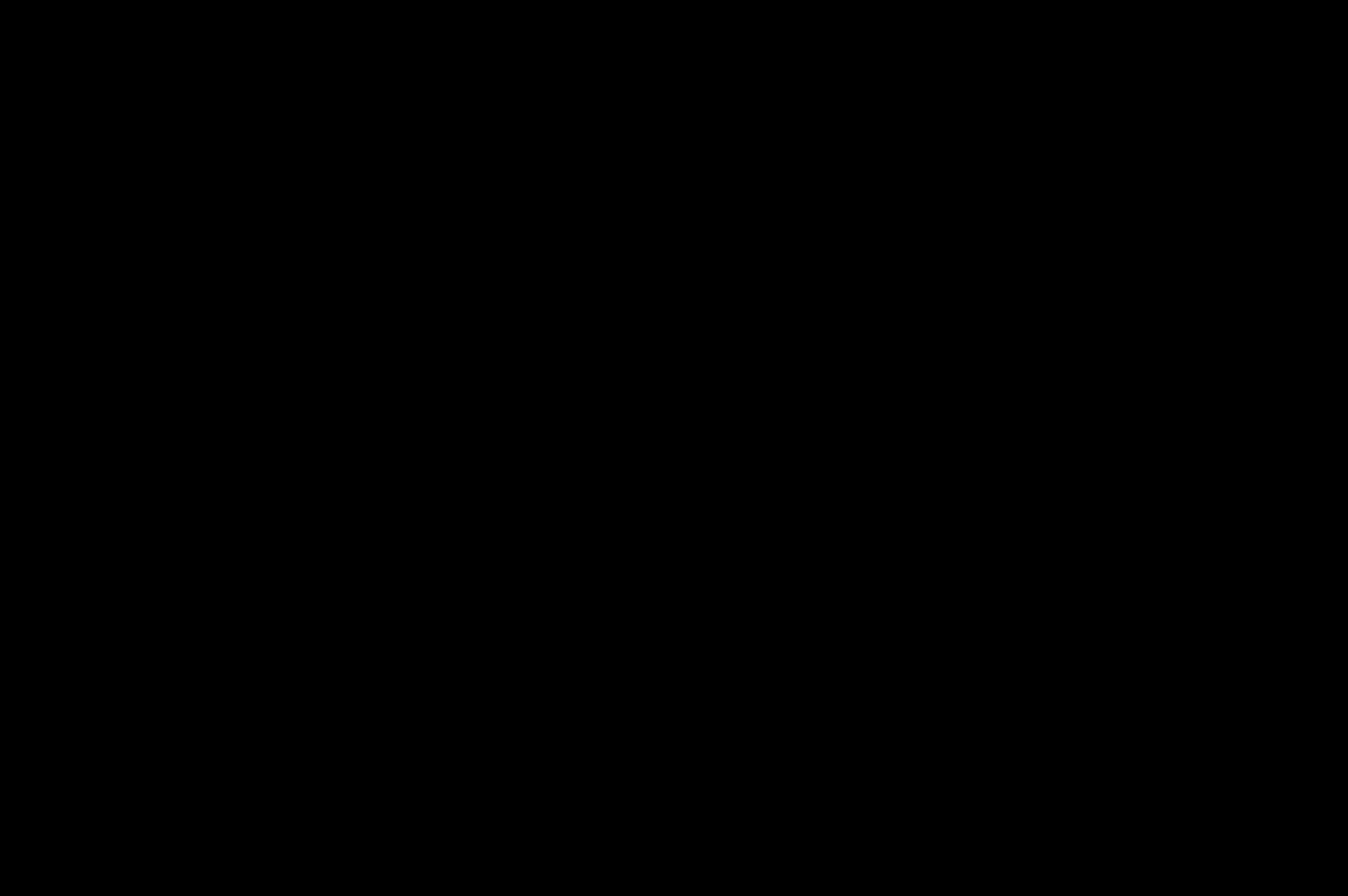 Косметичка квіти на чорному